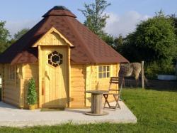 cabane des Elfes  89 €/ nuit pour 2 pers avec petit déjeuné + 20€/ pers supplémentaire