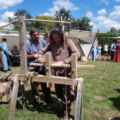 camp medieval avec tous les metiers