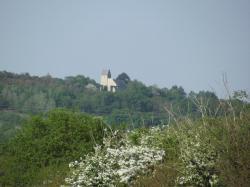 vue du centre sur le Mont de Doville