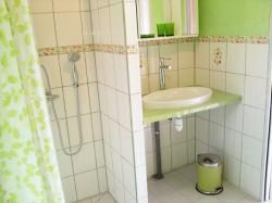 salla-bains-001.jpg