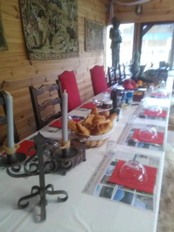 petits déjeuners de servis dans l'auberge, interieur de l'auberge